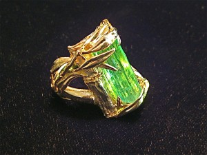 7.3 ct. Natural Emerald crystal, one of a kind ring in 14K